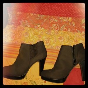 Black ankle Boots size 7 1/2